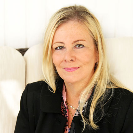 Elina Salmivala, Econia Yrityspalvelut Oy
